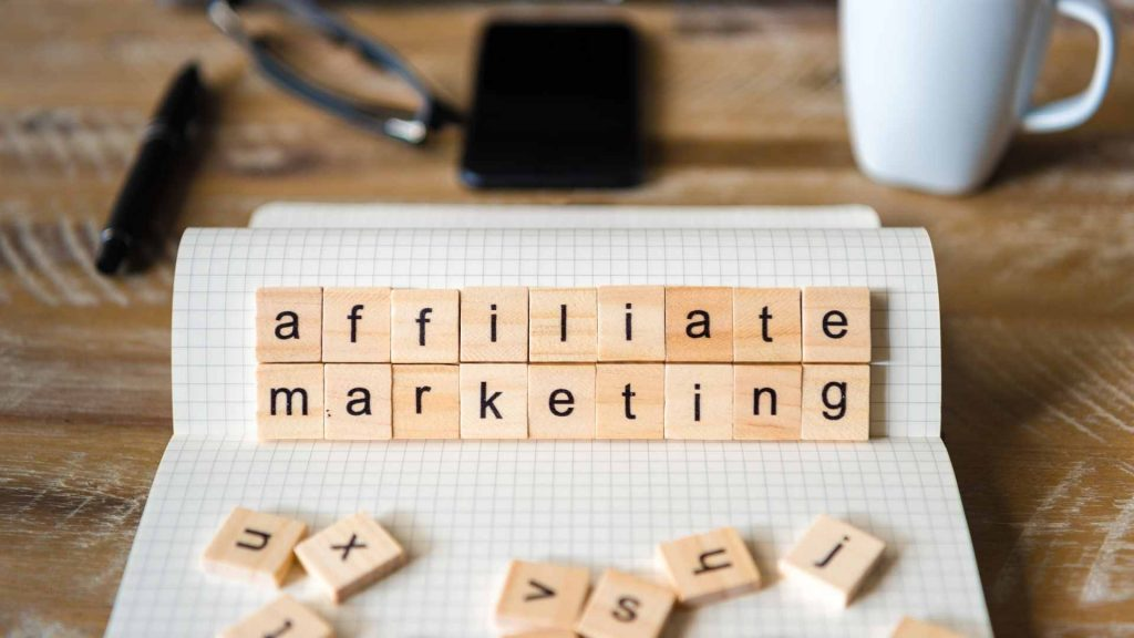 One of the best places to start with making money online might be with affiliate products. If you are already using certain products, why not tell your audience about these products or services and share the benefits? Affiliate marketing has gained a lot of popularity lately but it is important to take these affiliate marketing mistakes in mind.